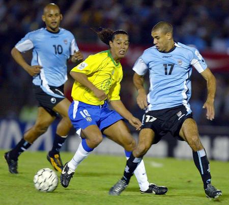 图文:巴西客场1-1平乌拉圭