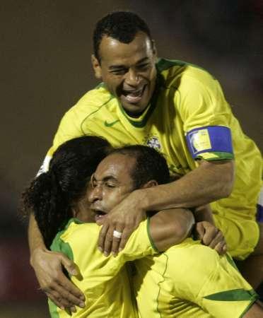 巴西客场1 1平乌拉圭 卡福埃莫森激动不已