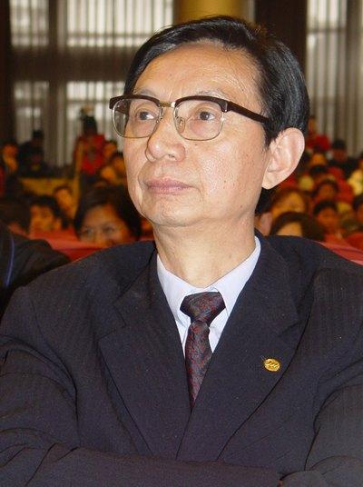 图:重庆力帆实业集团有限公司董事长 尹明善