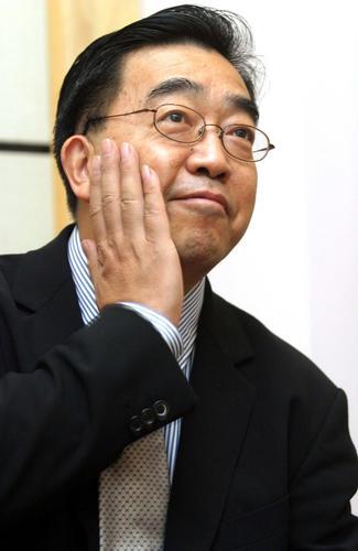 图:著名画家、导演陈逸飞资料图片-5