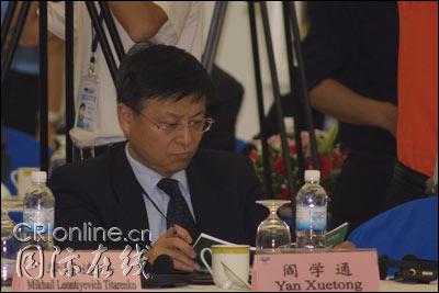 图:清华大学教授阎学通在论坛现场
