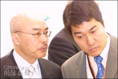 图:凤凰卫视资深评论员阮次山著名主持人董嘉耀