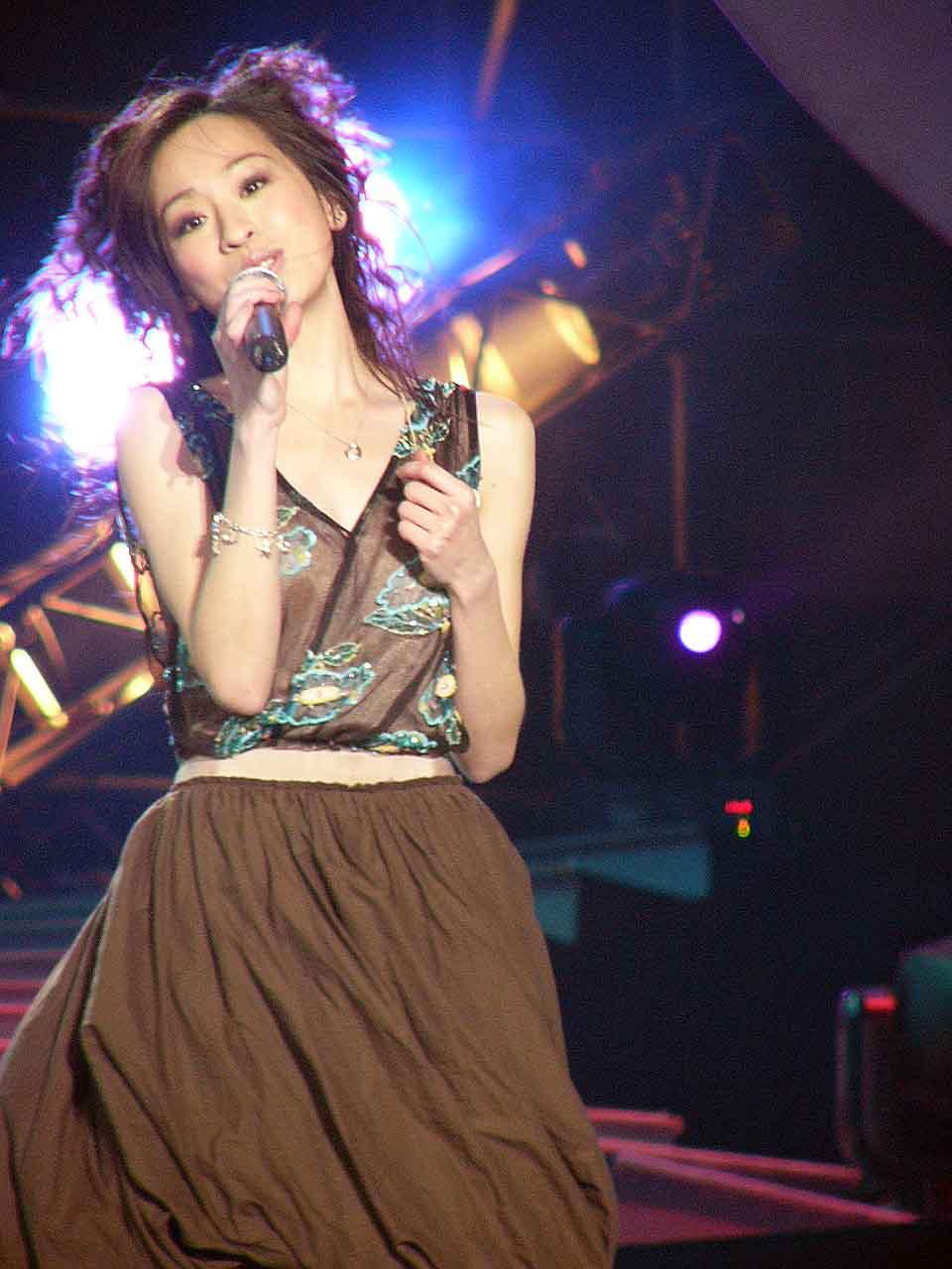 图文:2004中国TOP排行榜颁奖礼现场-王心凌