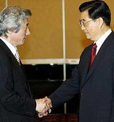 胡锦涛会见日首相小泉提出五点主张