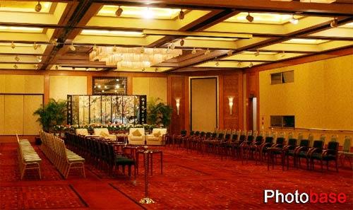 南京金陵饭店迎接中国国民党情趣连战到来(图穿主席上学袜子图片
