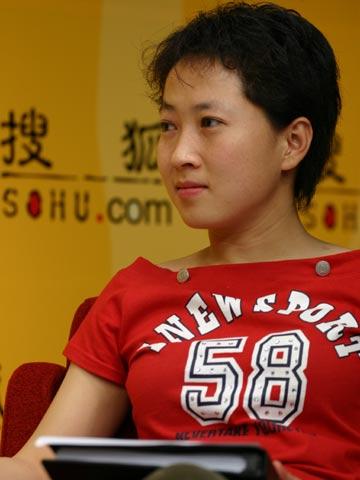 图文:搜狐CBA报道组谈总决赛 转达网友提问
