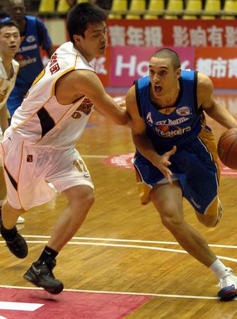 [体育](4)篮球�D�D中澳新男篮四强国际挑战赛赛况