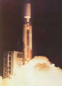 美火箭将秘密设备送入轨道 控制间谍卫星群(图)