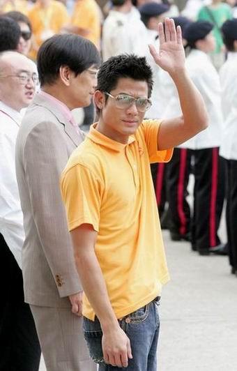 郭富城参加五四青年汇演 遗憾未与章子怡会面