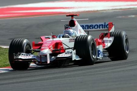 图文:F1西班牙站首次排位赛