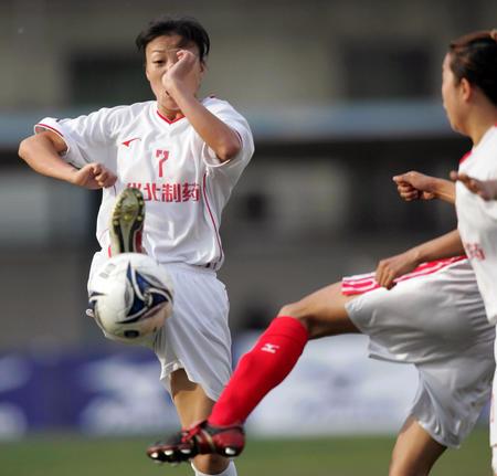 [体育](11)足球�D�D全国女足超级联赛开幕