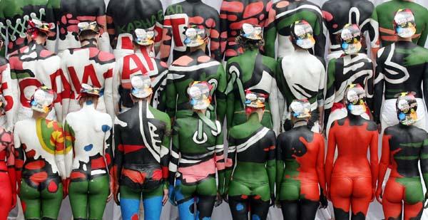 成人人体模特大赛_大赛在乌克兰南部港口城市敖德萨举行,来自世界各地的300多名人体模特
