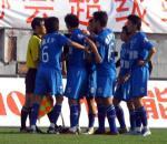 图文:天津主场2-1沈阳 金德赛后与裁判争执