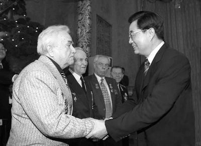 中国对世界反法西斯战争贡献巨大(图)