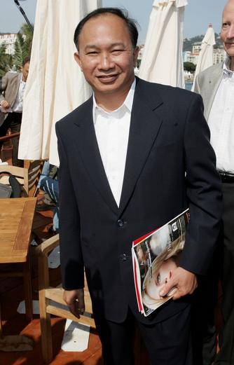 图文:第58届戛纳电影节 中国导演吴宇森抵达