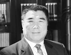 访河南省省长李成玉:发展为本 民为先