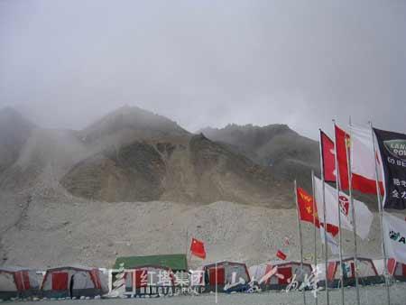 登山队和央视大本营