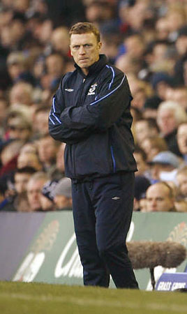 少帅之争莫耶斯获胜 力压穆里尼奥捧得最佳教练