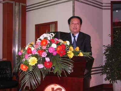 义马市委书记张英焕:建经济强市 构建和谐社会