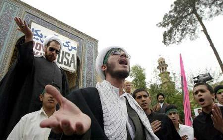 德黑兰 库姆/5月18日,在距伊朗首都德黑兰以南120公里的库姆,一所宗教学院...