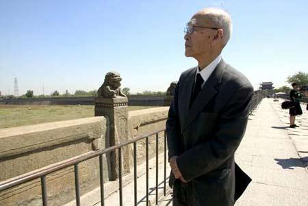 2005年5月19日,日军侵华老兵91岁的本多立太郎在