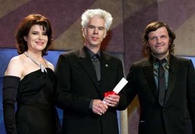 图文:《破碎之花》导演吉姆与颁奖嘉宾