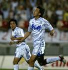 图文:天津主场3-0完胜武汉 张烁庆祝进球