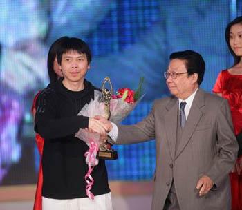 冯小刚6月拍 娱乐大家 目标不是贺岁档