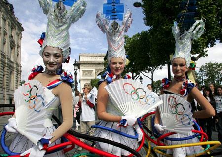 香榭丽舍变身奥林匹克公园 巴黎掌声中沸腾