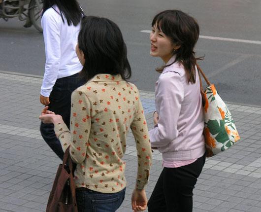 芬芳季节…上海街头时尚美女组图