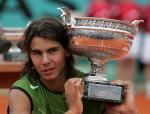 图文:2005法网男单决赛 纳达尔展现顽皮一面