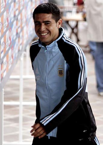 图文:阿根廷队期待迎战巴西 里克尔梅轻松面对