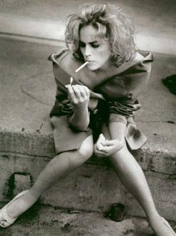 女人/我抽烟,...