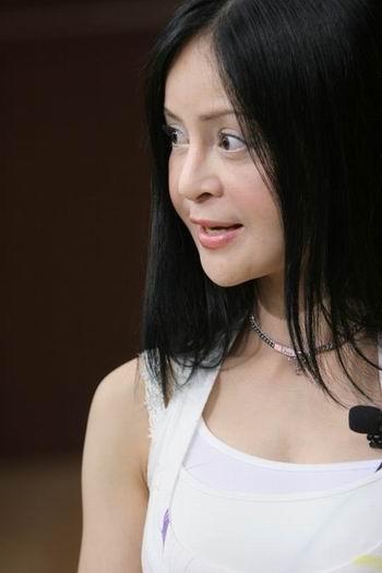 高胜美:演唱会上将演唱为歌迷创作的歌曲(图)