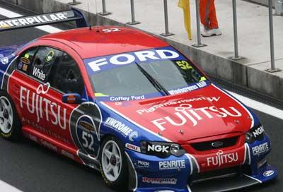 V8进行第一次练习赛 霍顿车手马克微弱优势领先