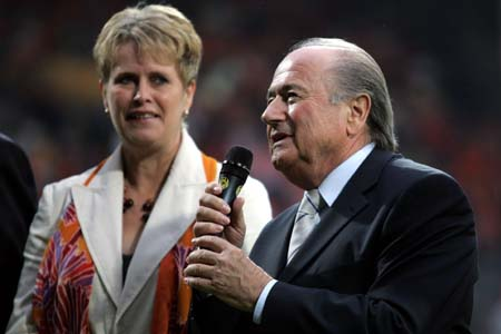 真正的胜利者是足球 布拉特盛赞本届世青赛(图)