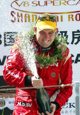 图文:凯利获V8中国大奖赛冠军