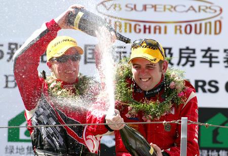 图文:凯利获V8中国赛冠军