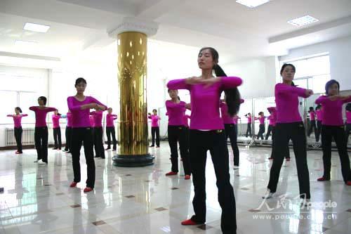 眉县职业中等专业学校幼师专业的学生神采飞扬