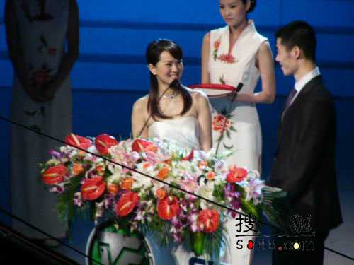 组图:第11届上海电视节颁奖礼-伊能静王励勤