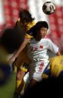 图文:世青赛中国3-2乌克兰 米列夫斯基争顶