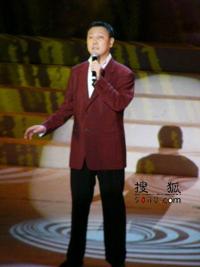 组图:第11届上海电视节颁奖礼-韩磊现场演唱