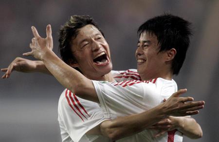 [体育](1)足球�D�D中哥首战:中国队平哥斯达黎加