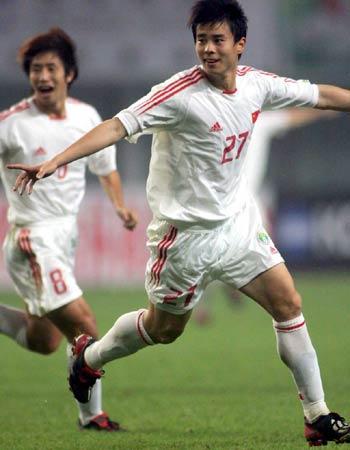 图文:中国2-2哥斯达黎加队 孙祥劲射扳平比分