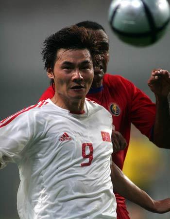图文:中国2-2哥斯达黎加队 李毅无功而返