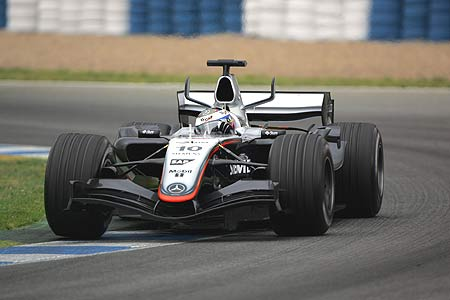 赫雷斯赛道测试正式开始 迈凯轮蒙托亚再次称雄