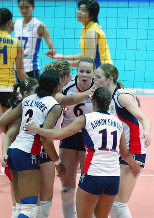 图文:美国队战胜泰国队
