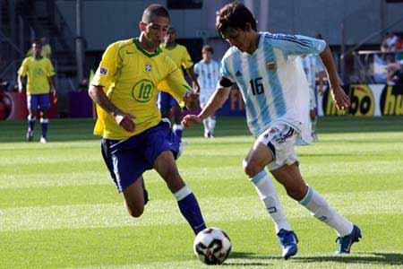图文:世青赛阿根廷2-1巴西进决赛 南美内战