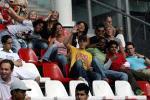 图文:世青赛阿根廷2-1巴西进决赛 看台上的球迷