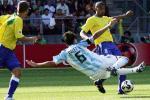 图文:世青赛阿根廷2-1巴西进决赛 中国功夫
